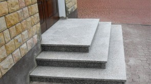 Natural stone stairs