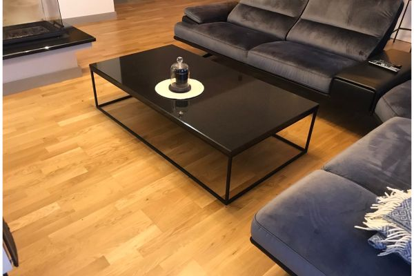 "Coffee table with ""PG black"" Granite table top"