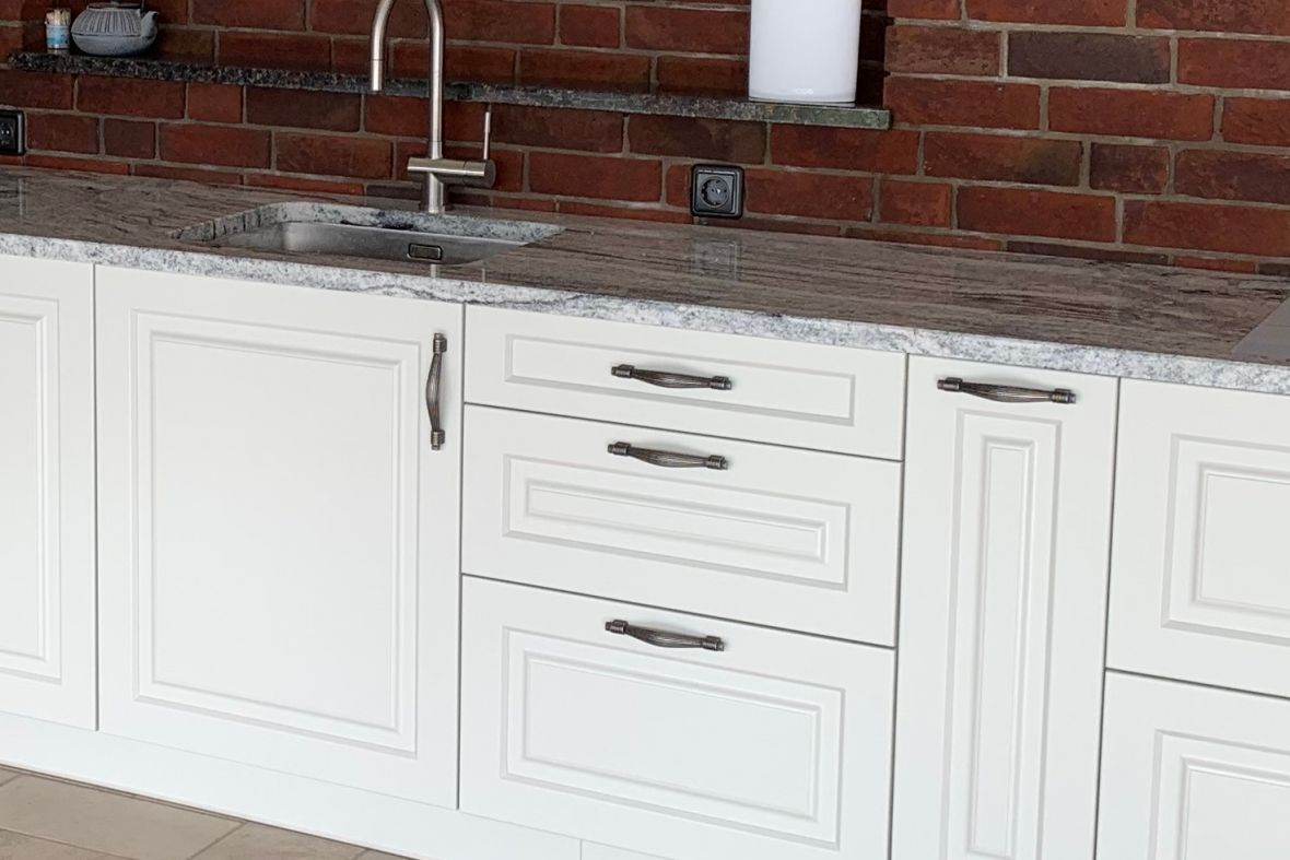 Outdoor terrace kitchen countertop made of Viscount White granite